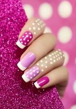 Stylizacja paznokci z przedłużeniem